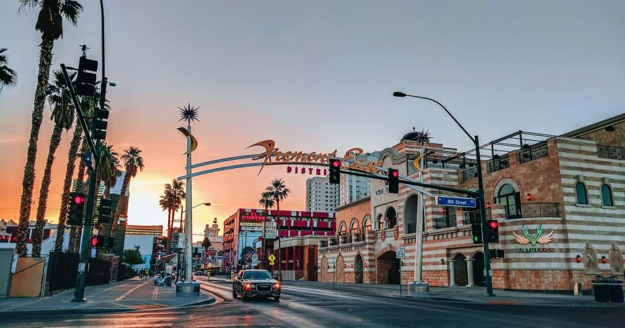 Greentube, Las Vegas Zevkine Cops 'n' Robbers Vegas Nights'ı Ekliyor