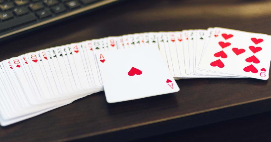 Yapışkan ve Yapışkan Olmayan Mobil Casino Bonusları: Açıklandı